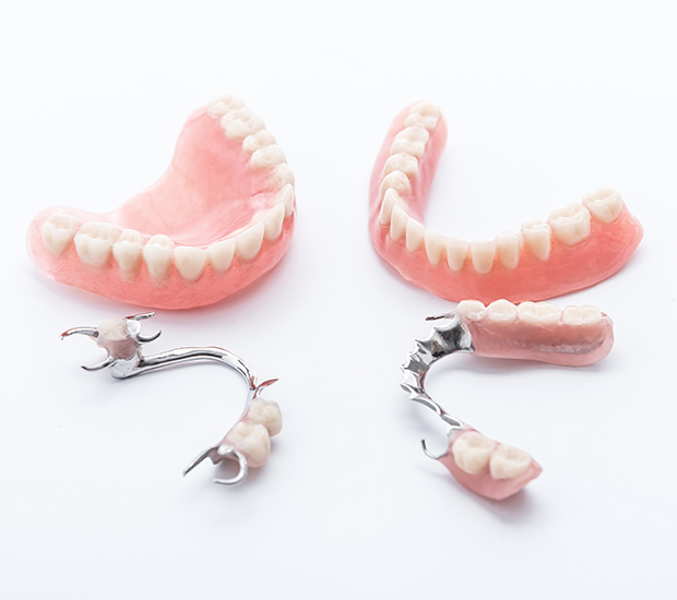 Atlantis Dentures and Partial Dentures